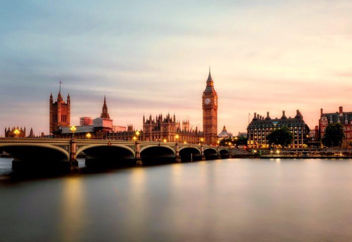 """Mehānismi, kā regulēt personas datu nosūtīšanu uz Lielbritāniju pēc """"Brexit"""""""