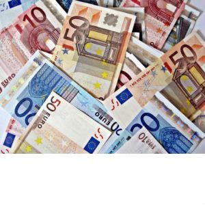 Latvijas iedzīvotāju kredītsaistības sasniedz vairāk nekā sešus miljardus eiro