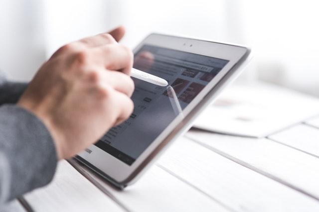 Pieņemtas izmaiņas patērētāju tiesībās, iegādājoties digitālo saturu un pakalpojumus