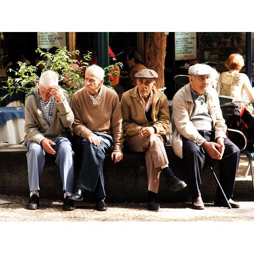 Par cik tiks palielinātas pensijas un atlīdzības 1. oktobrī?