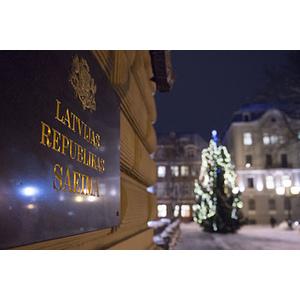 Saeima skatīs alternatīvo likumprojektu grozījumiem Solidaritātes nodokļa likumā