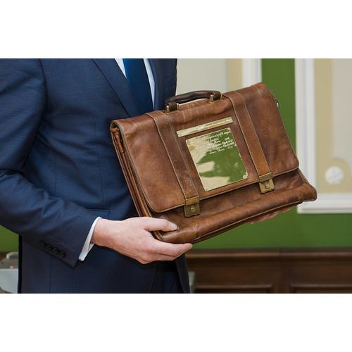 Valdība izskatīs 2020. gada valsts budžeta sagatavošanas grafiku, 2019. gada budžets nodots Saeimai