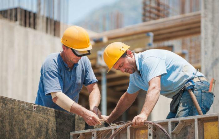 Darba likumā nostiprināts regulējums par minimālo algu, kas noteikta ar vispārsaistošu ģenerālvienošanos