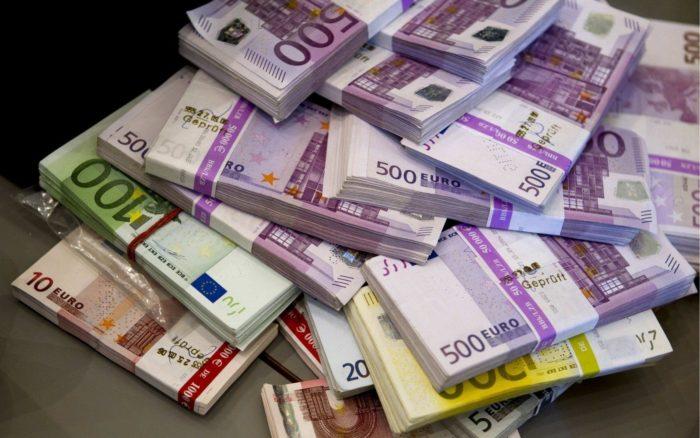 Atceļ Ekonomisko lietu tiesas lēmumu naudas atmazgāšanas lietā