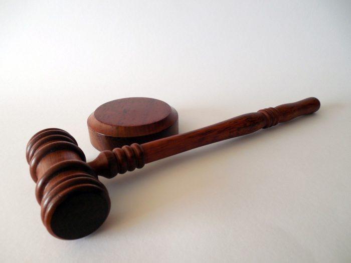 Ko svarīgi zināt par zvērinātiem tiesu izpildītājiem