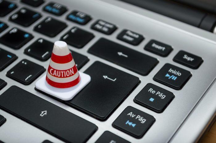 Kādos gadījumos personas datu apstrādi pamato likumā noteikts pienākums?