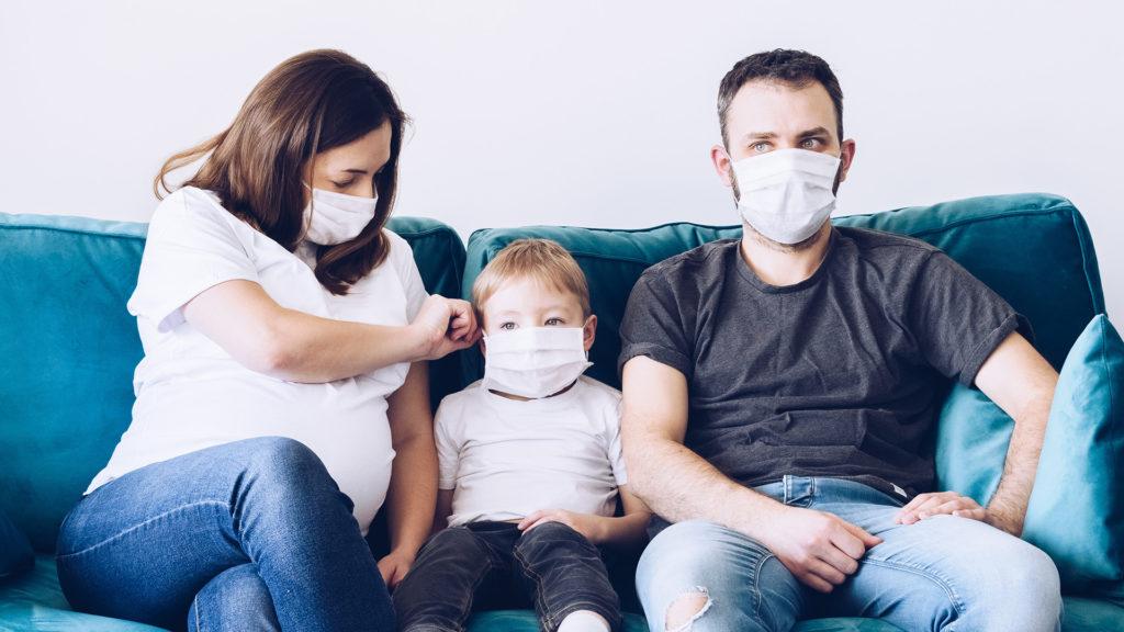 """Kā mainīts likums """"Par maternitātes un slimības apdrošināšanu"""" pandēmija ietekmē"""