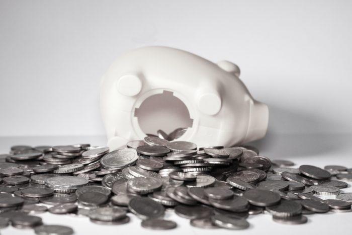 Kopbudžeta ieņēmumi samazinājušies zemāku nodokļu ieņēmumu dēļ