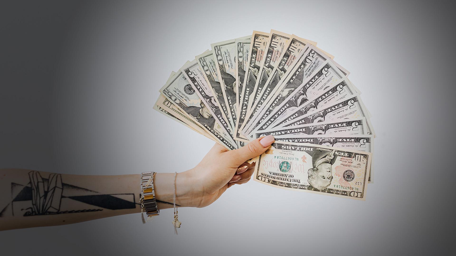 Skaidras naudas darījumi