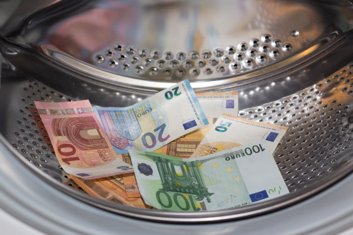 Ārpakalpojumu grāmatveži identificēti kā otra augstākā riska sektors naudas atmazgāšanā