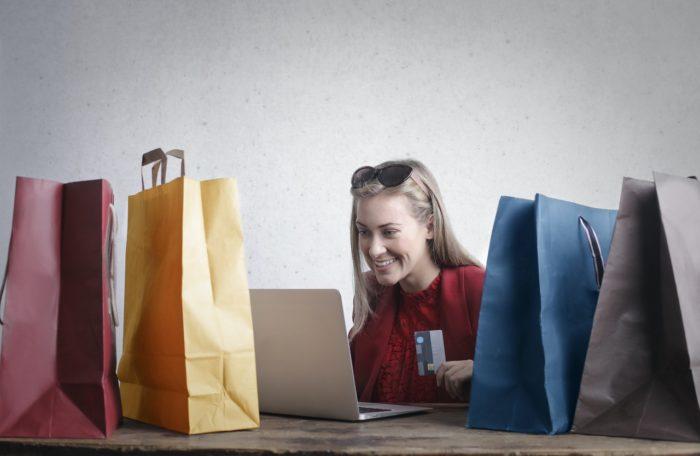 Patērētāju uzraugi, atklājot negodīgu komercpraksi, varēs bloķēt e-veikalu vietnes