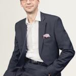 Andis Burkevics, Sorainen vadošais speciālists un zvērināts advokāts