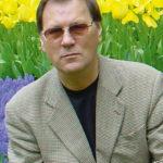 Aivars Droiskis, grāmatvedības eksperts, finanšu konsultants, Latvijas Republikas Ārpakalpojuma  grāmatvežu asociācijas  valdes priekšsēdētājs, SIA Gamma AD (ārpakalpojuma grāmatvedis,  licence AGL0000008)  valdes loceklis,  atbildīgais grāmatvedis