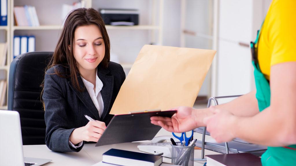 Preču piegādes dokuments, rēķins un paraksts